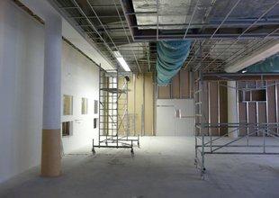 Rošt pro nový minerální podhled ve stávající hale