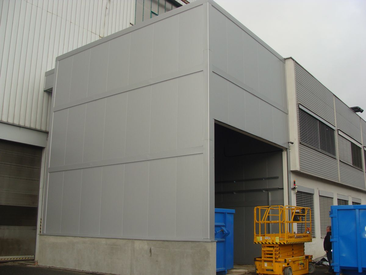 Soundproofing envelope of scrap metal management extension