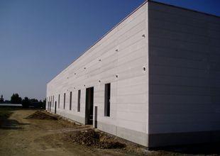Dokončený obvodový plášť z plynosilikátových panelů