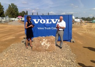 Laying the foundation stone of VOLVO Truck Center Hradec Králové 2009-08-18