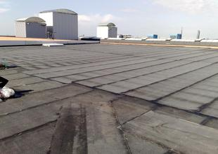 Laying of roofing made from modified asphalt membrane (underlying layer)