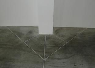 Dilatační spáry v podlaze z průmyslového drátkobetonu