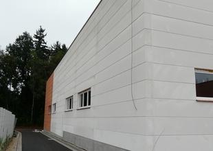 Severní průčelí - strukturovaný fasádní nátěr obvodového pláště