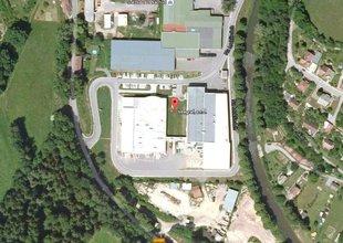 Letecký snímek - výchozí stav s prolukou mezi stávajícími halami