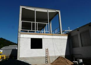Dokončení vyzdívky obvodového výplňového zdiva