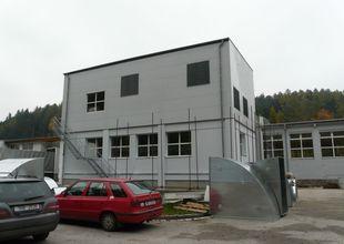 Celkový pohled na přístavbu po dokončení vnějšího pláště