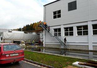 Vnější ocelové schodiště do 2.NP nové přístavby