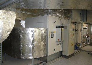 Klimatizační jednotky přemístěné ve 2.NP přístavby